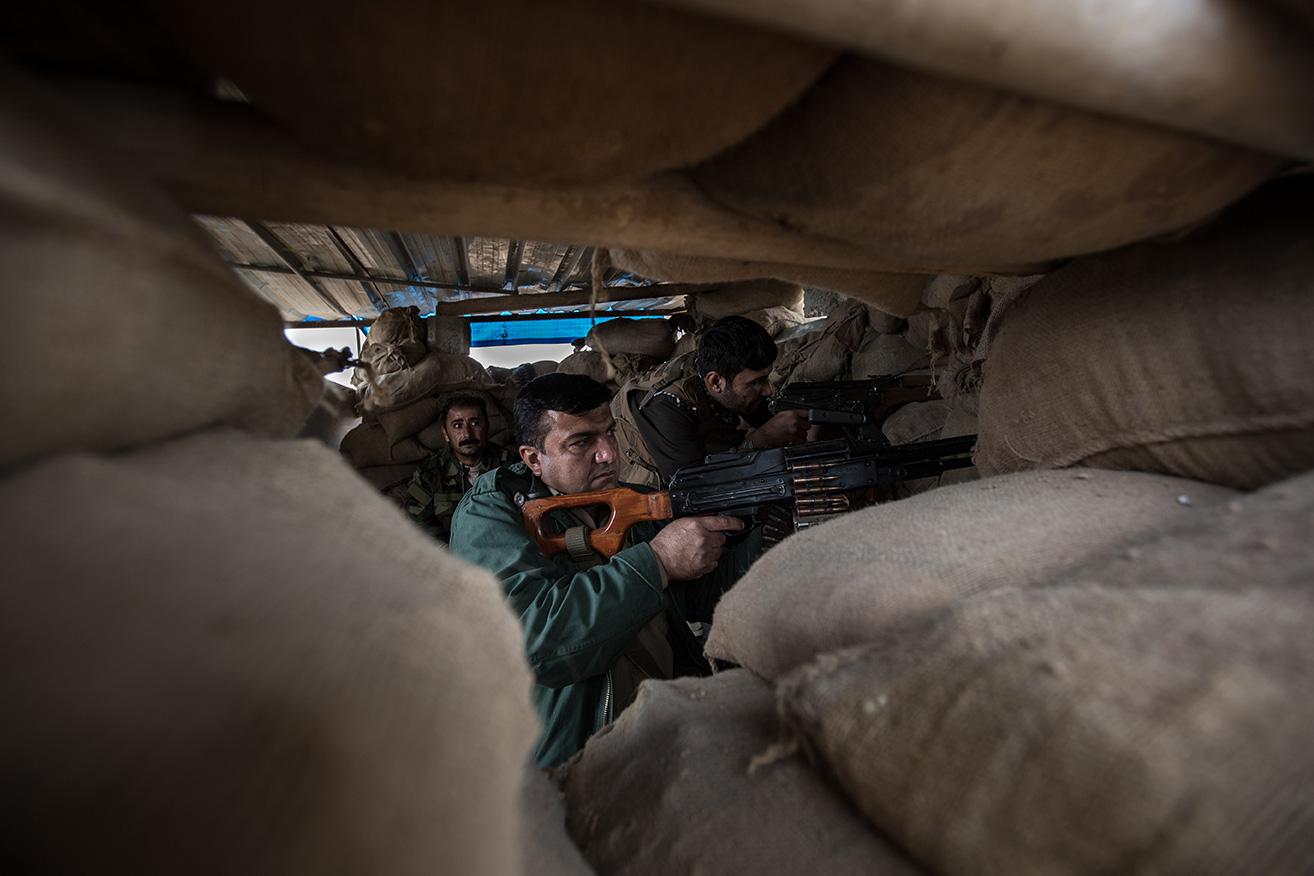 04_peshmerga-iraq-shooting-isis-frontline