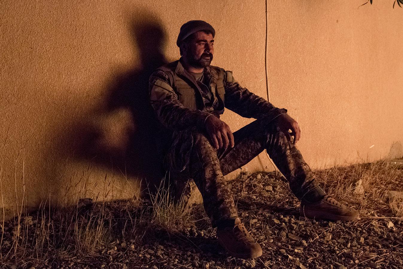 05_pkk-fighter-after-battle-sinjar-resting