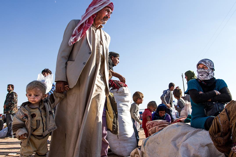 07_refugees-Kobane-old-man-grandfather-little-boy