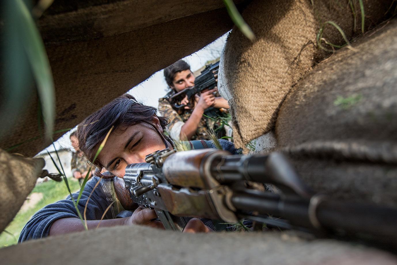 yesidi women fighting isis iraq sinjar