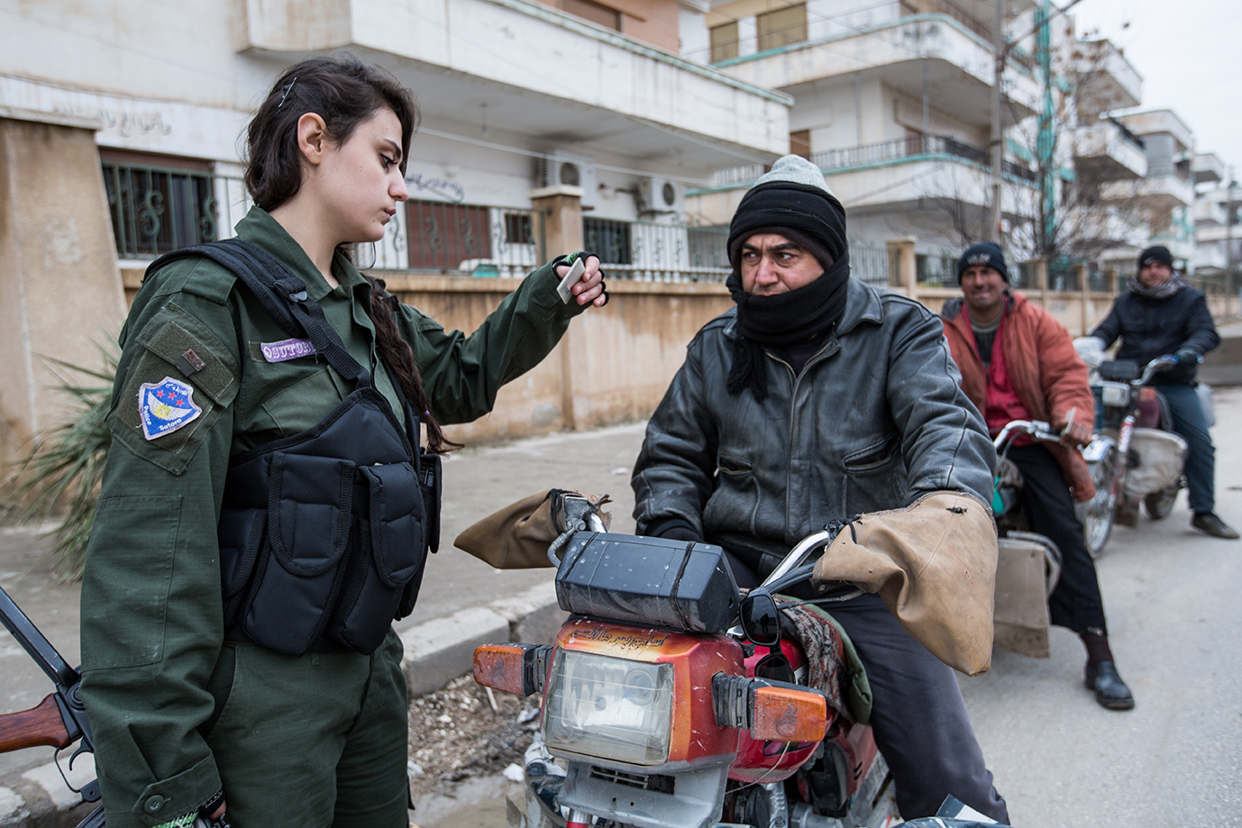 christian female fighter check point hasaka syria