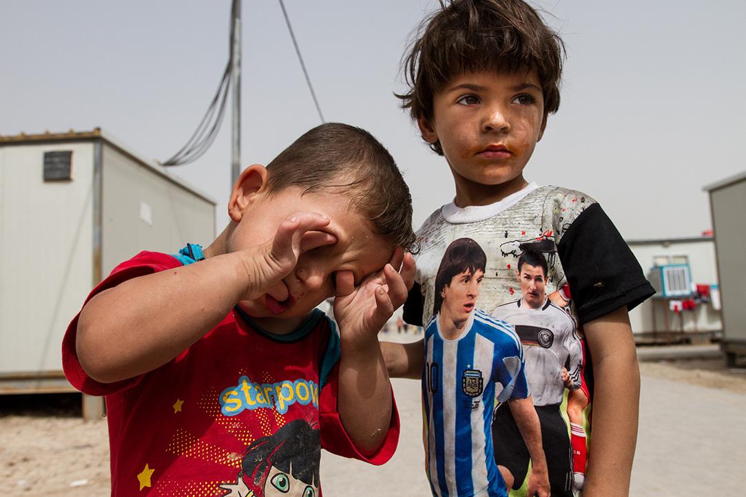 15_boy-refugees-camp-iraq-german-socker-team